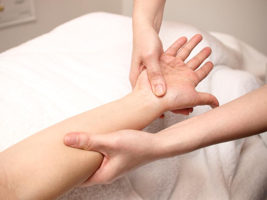手もみ療法